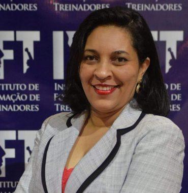 KELY PEREIRA